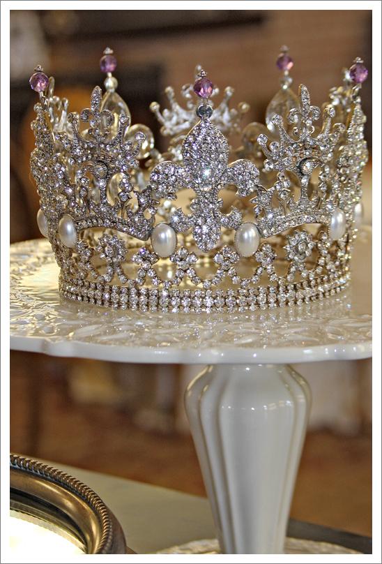 CrownPlate