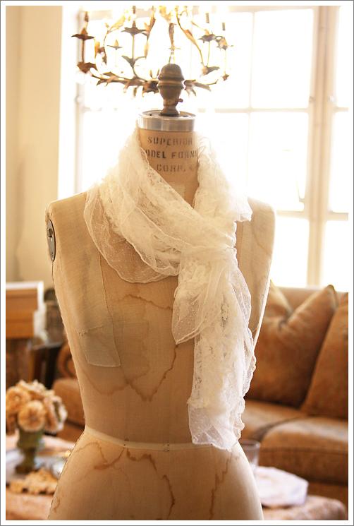WhiteLaceScarf